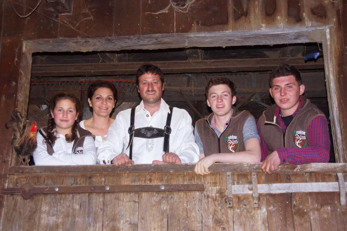 Familie-Steiner-Hölzlahneralm-Krimmler-Achental